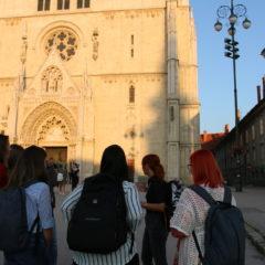 Vu mojemu srcu najljepši si grad, moj Zagreb, tak imam te rad!